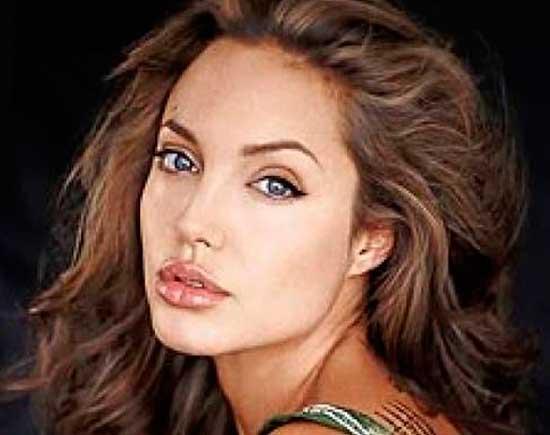 Angelina-Jolie,